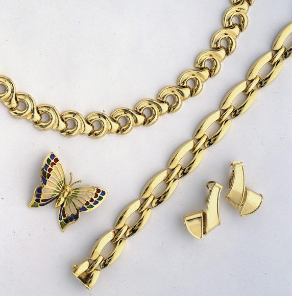 11.-Gold