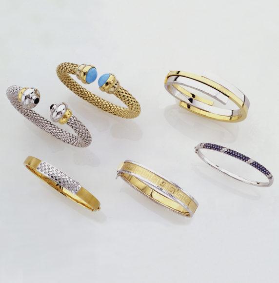 27.-Bracelets