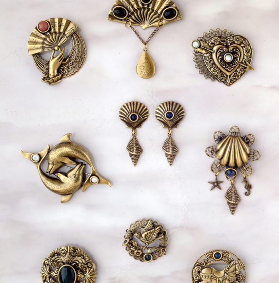 20.Brooches